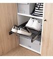 Organize os seus sapatos no seu roupeiro com todas as soluções de acessórios e complementos que temos para si.